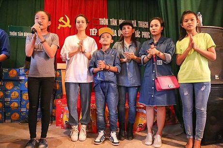 Phi Nhung: 'Tang qua chu khong phat qua, phai gui trao ca tam long…' - Anh 8