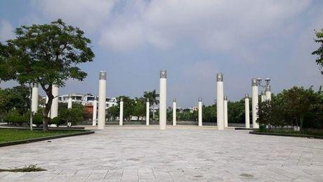 KDT Van Phu: Nha hang 'moc' tren dat Cong vien cay xanh - Anh 2