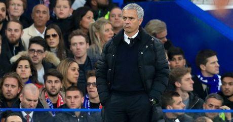 Man United that bai truoc Chelsea: Khi Man do lam 'quan xanh' - Anh 3