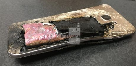 S7 Edge duoc phat de thay the Note 7 cung bi no - Anh 2