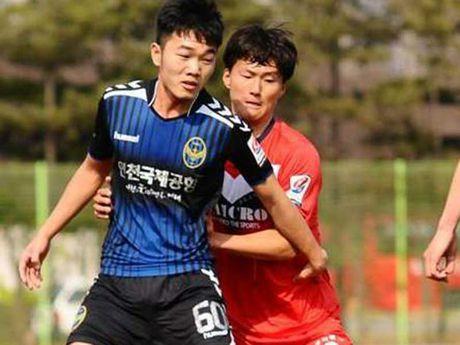 Xuan Truong ra san tran play off giai K-League - Anh 1