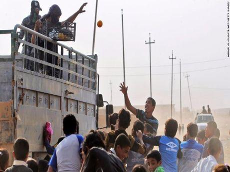 Truy quet IS: Quan Iraq chi con cach Mosul 8 km - Anh 1