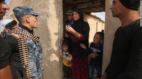 Truy quet IS: Quan Iraq chi con cach Mosul 8 km - Anh 3