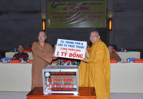 Tang ni, Phat tu ung ho tren 11,3 ti dong cho vung lu - Anh 4