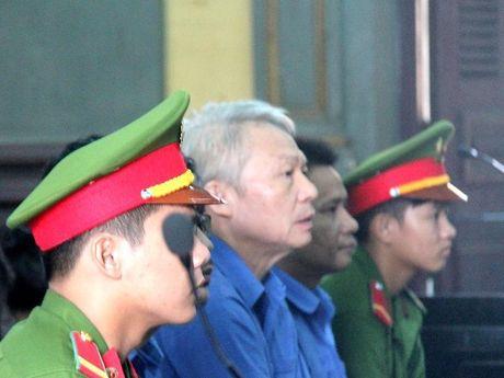 Cuu giam doc Agribank CN7 khong duoc giam an - Anh 1