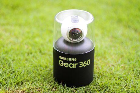Mo hop Samsung Gear 360 gia 6,9 trieu dong tai Viet Nam - Anh 1