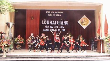 Hoc sinh nhay Shuffle Dance tren nen nhac 'Co Tam ngay nay' - Anh 1