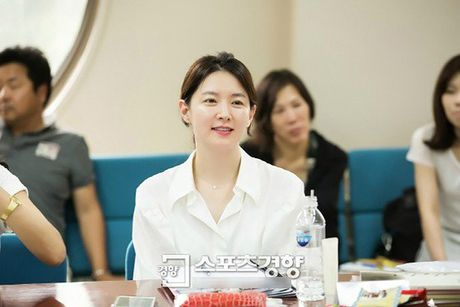 Bat ngo truoc nhan sac U50 cua nang Dae Jang Geum - Anh 12