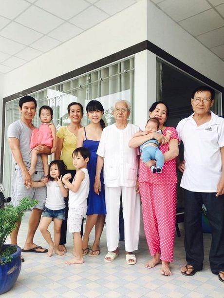 Khanh Thi - Phan Hien ham nong tinh yeu, hon nhau giua bien - Anh 7