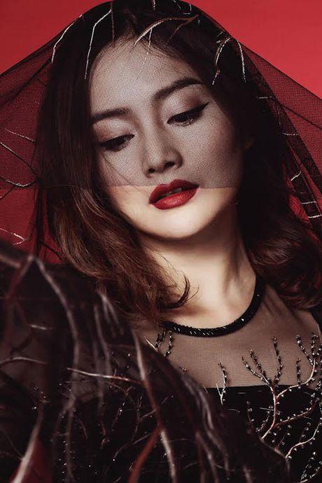 Lan Phuong dep ma mi trong bo anh ao dai Halloween - Anh 3