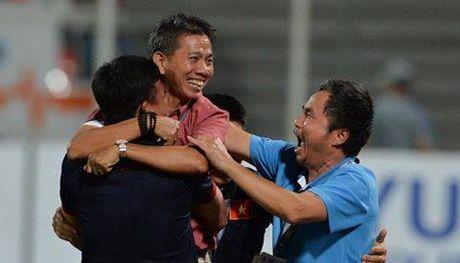 'MU nen sa thai Mourinho, moi HLV Hoang Anh Tuan ve dan dat' - Anh 1