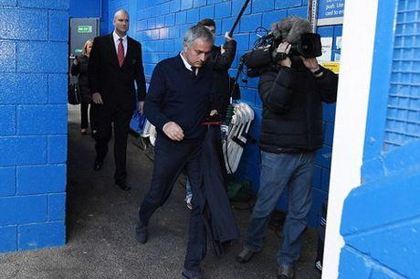 Man United thua tan nat Chelsea: Mourinho & dinh cao cua su bat luc - Anh 3