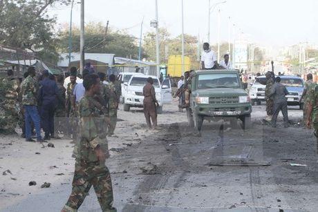 Al-Shabaab tan cong can cu cua AU o Somalia, 8 nguoi thuong vong - Anh 1