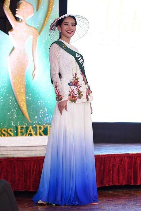 Nam Em gianh giai vang Hoa hau anh Miss Earth - Anh 3