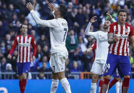 LDBD Tay Ban Nha nhan an phat tu FIFA - Anh 1