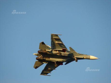 Tiem kich ham Su-33 xuat kich ram ro, NATO cang thang - Anh 13