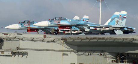 Tiem kich ham Su-33 xuat kich ram ro, NATO cang thang - Anh 14