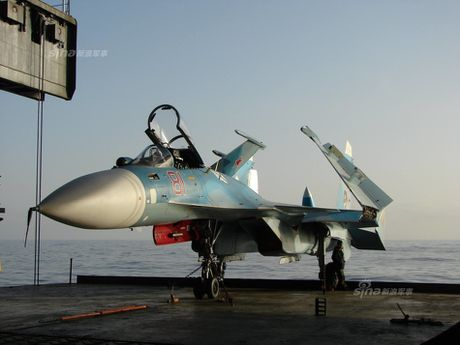 Tiem kich ham Su-33 xuat kich ram ro, NATO cang thang - Anh 15