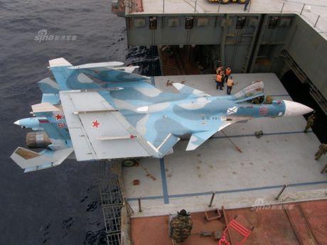 Tiem kich ham Su-33 xuat kich ram ro, NATO cang thang - Anh 7