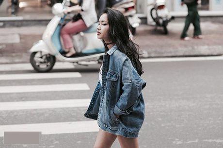 Dinh cao mac denim jacket cua cua Pham Huong, Hoang Thuy Linh la day - Anh 8