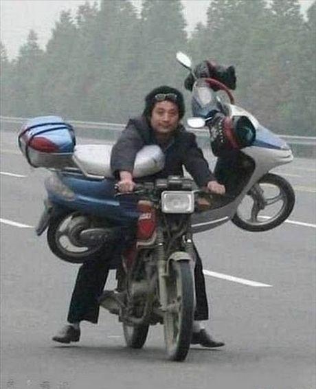 'Rung ghe' vi hanh dong cua nguoi nhen nguc khung - Anh 10