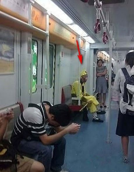 'Rung ghe' vi hanh dong cua nguoi nhen nguc khung - Anh 6