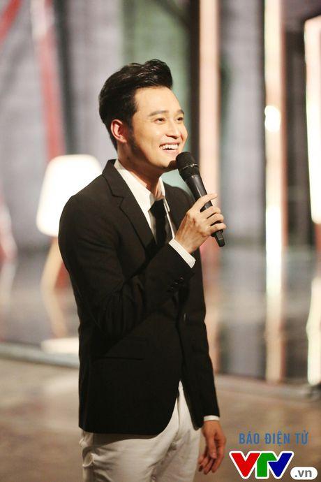"""Muon mau showbiz: Quang Vinh """"dai"""" fan Ha Noi voi loat hit cu - Anh 1"""