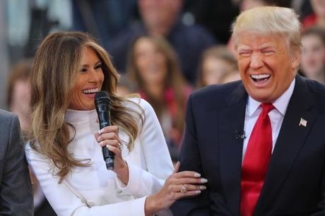 Nghi van vo sieu mau cua ong Trump doi ly di - Anh 1