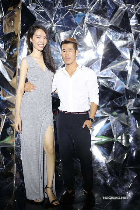 Minh Hang deo khuyen mui, lam toc 5 tieng de du hop bao - Anh 11