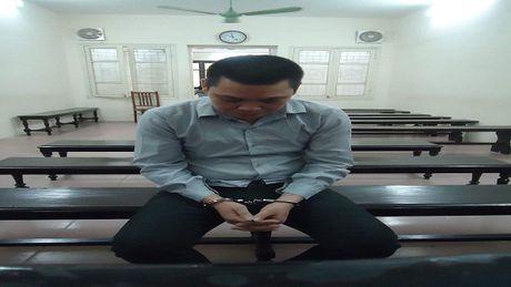 Nhan hon 1.000 USD de van chuyen hang cam ve Viet Nam - Anh 1