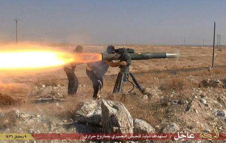 IS ban chay xe tang My Abrams cua quan doi Iraq o Mosul - Anh 2