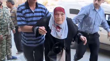 Phao kich du doi o phia Tay Aleppo, nhieu nguoi bi thuong va thiet mang - Anh 2