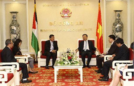 Bo truong To Lam tiep Dai su Iran, Palestine va Qatar - Anh 2