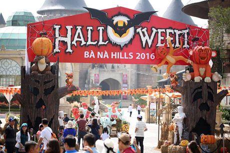 Ba Na Hills nao nhiet voi mua Halloween doc dao - Anh 1