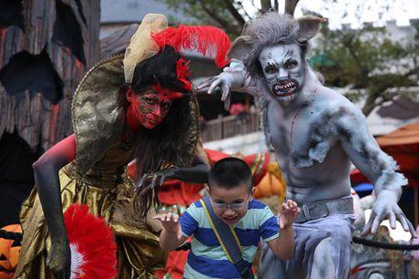 Ba Na Hills nao nhiet voi mua Halloween doc dao - Anh 4