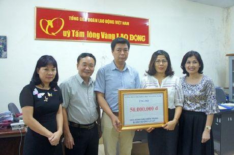 Bo Khoa hoc va Cong nghe ung ho dong bao vung lu - Anh 1