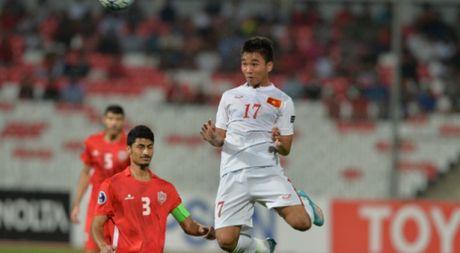 Tran Thanh het loi khen ngoi HLV Hoang Anh Tuan - Anh 1