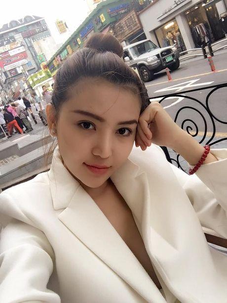 Nu hoang sac dep toan cau Ngoc Duyen tung roi cong ty co Ngoc Trinh - Anh 11