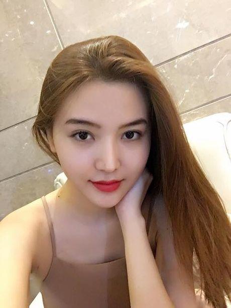 Nu hoang sac dep toan cau Ngoc Duyen tung roi cong ty co Ngoc Trinh - Anh 9