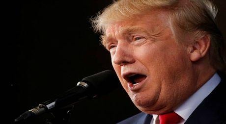 Ong Trump khong thua nhan bi ba Hillary Clinton dan truoc 5 diem - Anh 1