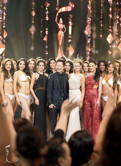 Nguyen Thi Loan toa sang tai Ban ket Hoa hau Hoa binh Quoc te - Anh 5