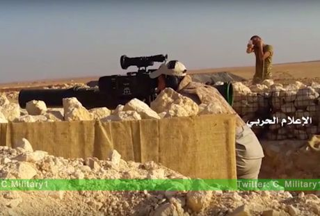 Video chien su Aleppo: Quan doi Syria diet hang chuc chien binh thanh chien - Anh 1