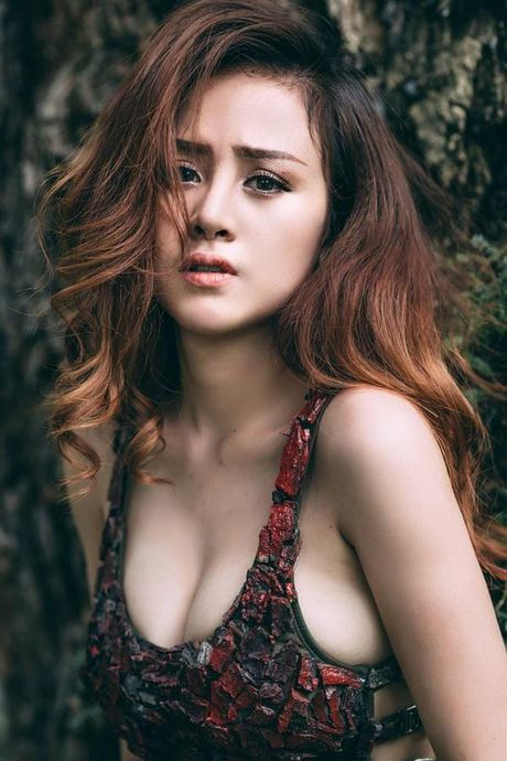 Voi so do moi, Ba Tung – Huyen Anh xung danh 'My nhan nong bong' nhat showbiz Viet - Anh 7