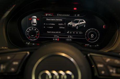 Audi trinh lang Q2 truoc them Trien lam O to Quoc te Viet Nam - Anh 4