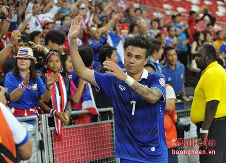 Trieu tap 'Ronaldo Thai' len tuyen, Kiatisuk quyet vo dich AFF Cup 2016 - Anh 2