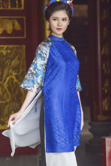 Thuy Dung khoe net dep gian di voi ao dai truyen thong - Anh 3
