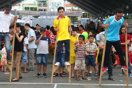 Hon 10.000 cong nhan tham gia giao luu van hoa Viet – Han - Anh 1