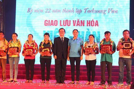 Hon 10.000 cong nhan tham gia giao luu van hoa Viet – Han - Anh 6
