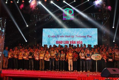 Hon 10.000 cong nhan tham gia giao luu van hoa Viet – Han - Anh 7