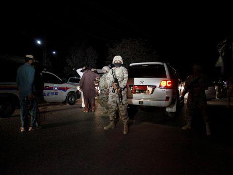 Pakistan: 59 nguoi chet trong vu tan cong truong canh sat Quetta - Anh 2